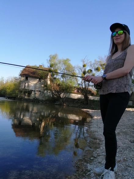 Un jolie brochet prit lors d'une journée de pêche sur les lacs de la Foret d'Orient